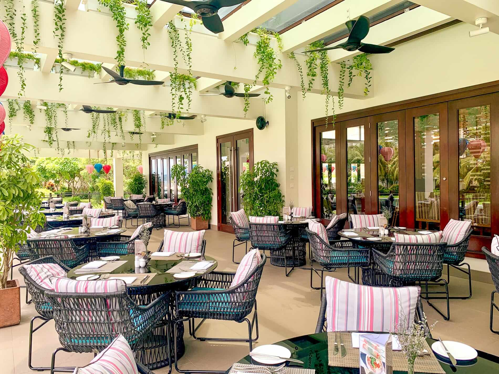 Pullman Da Nang patio dining area
