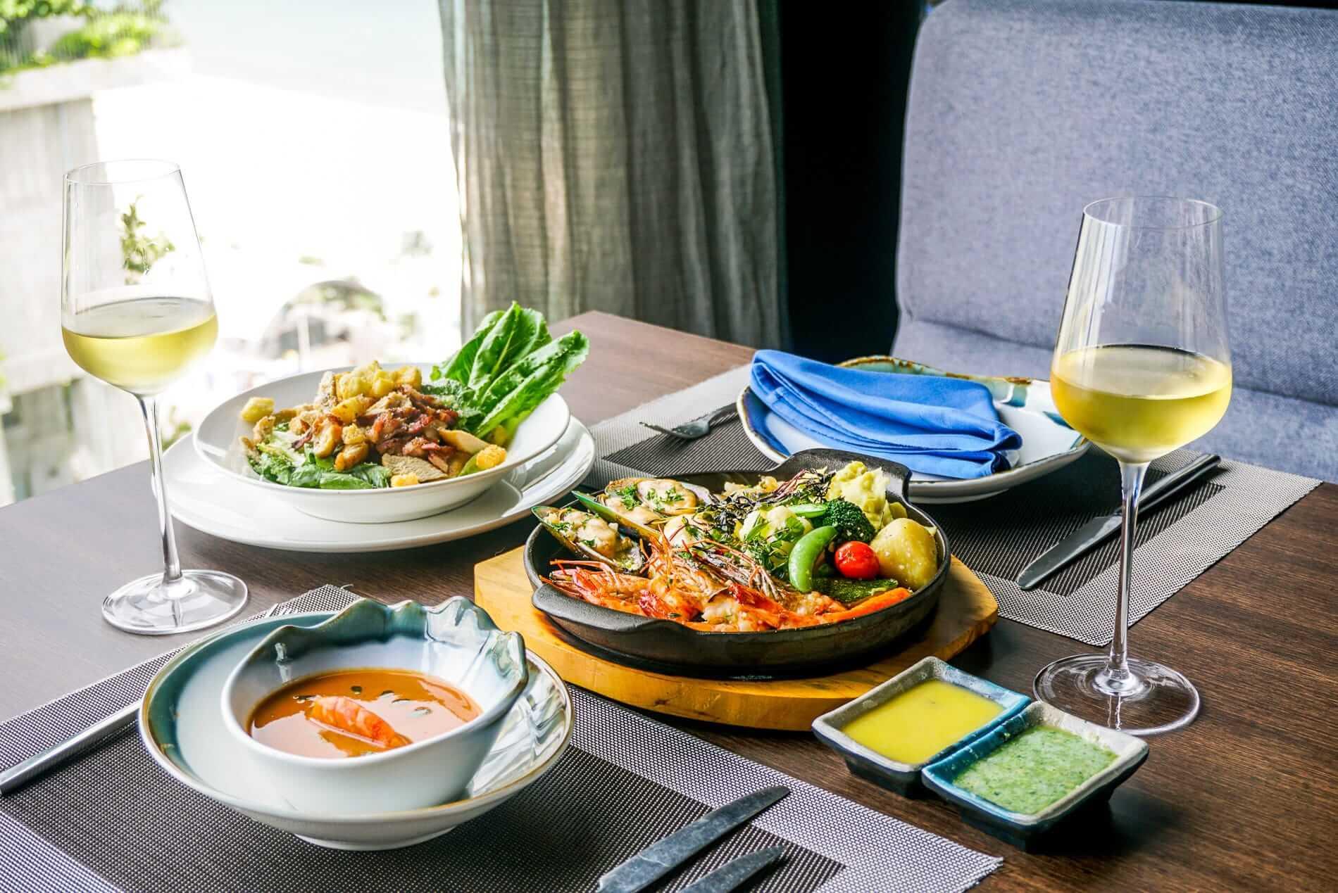 Seafood restaurant table Da Nang