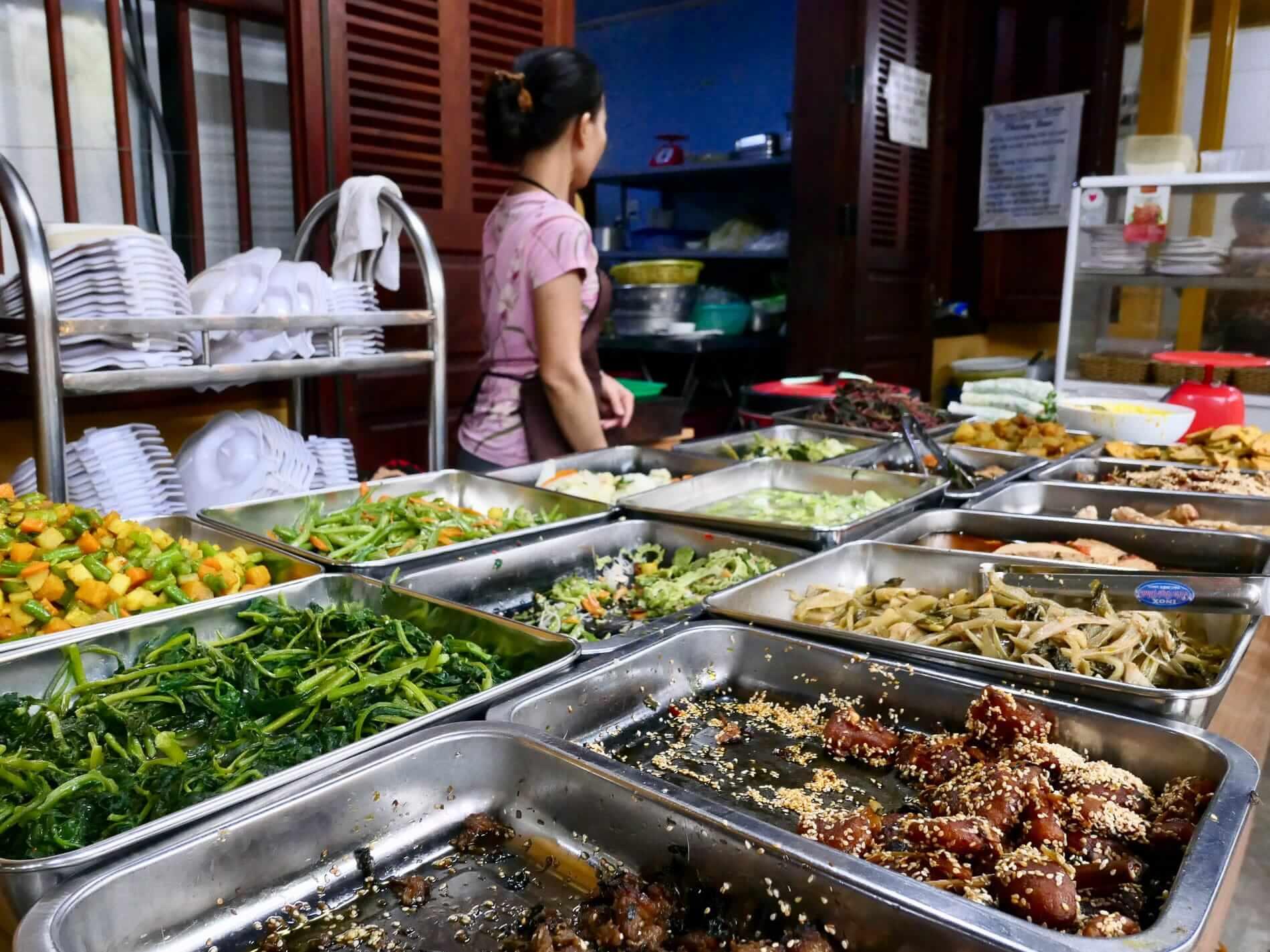Buffet vegetarian food at Quan Chay Ba Dam restaurant