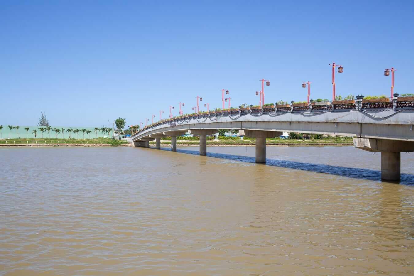 Impressions Island bridge