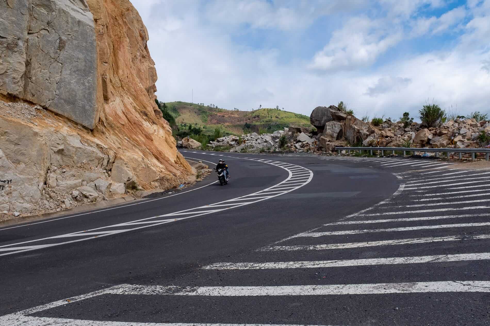 Mountain roads on the journey from Nha Trang to Da Lat