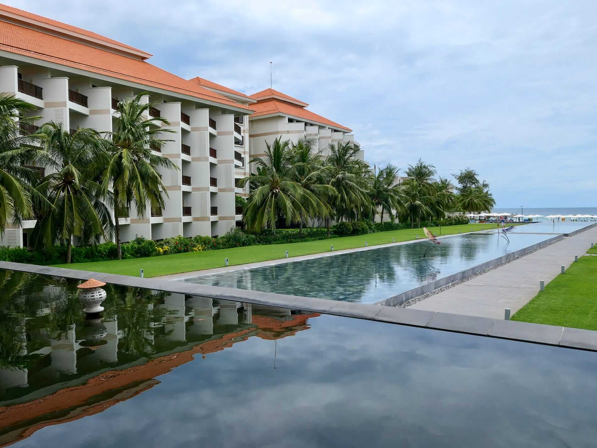 Luxury resorts like the Pullman line My Khe beach in Da Nang