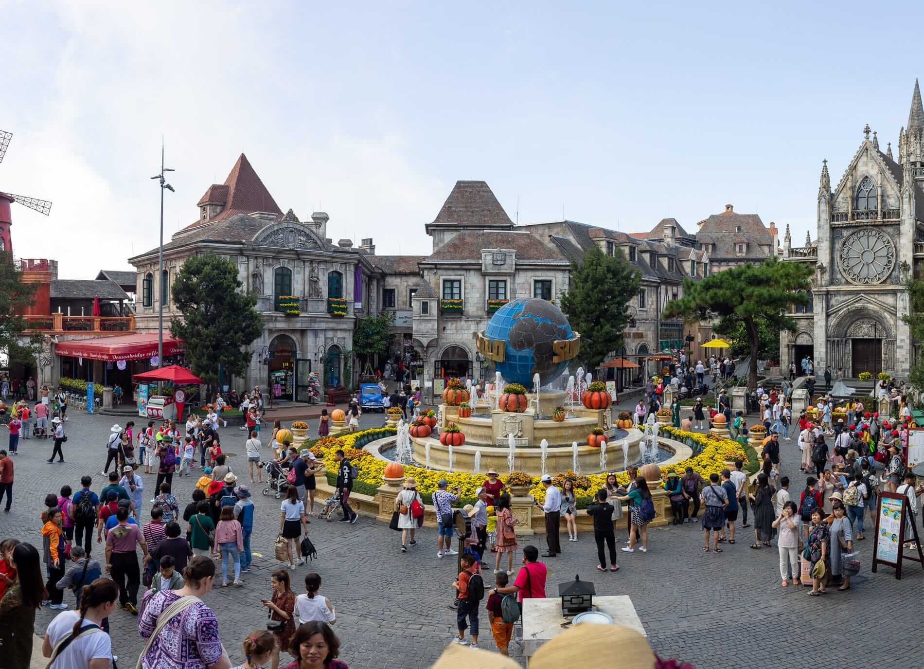 Ba Na Hills park with thousands of tourists visiting