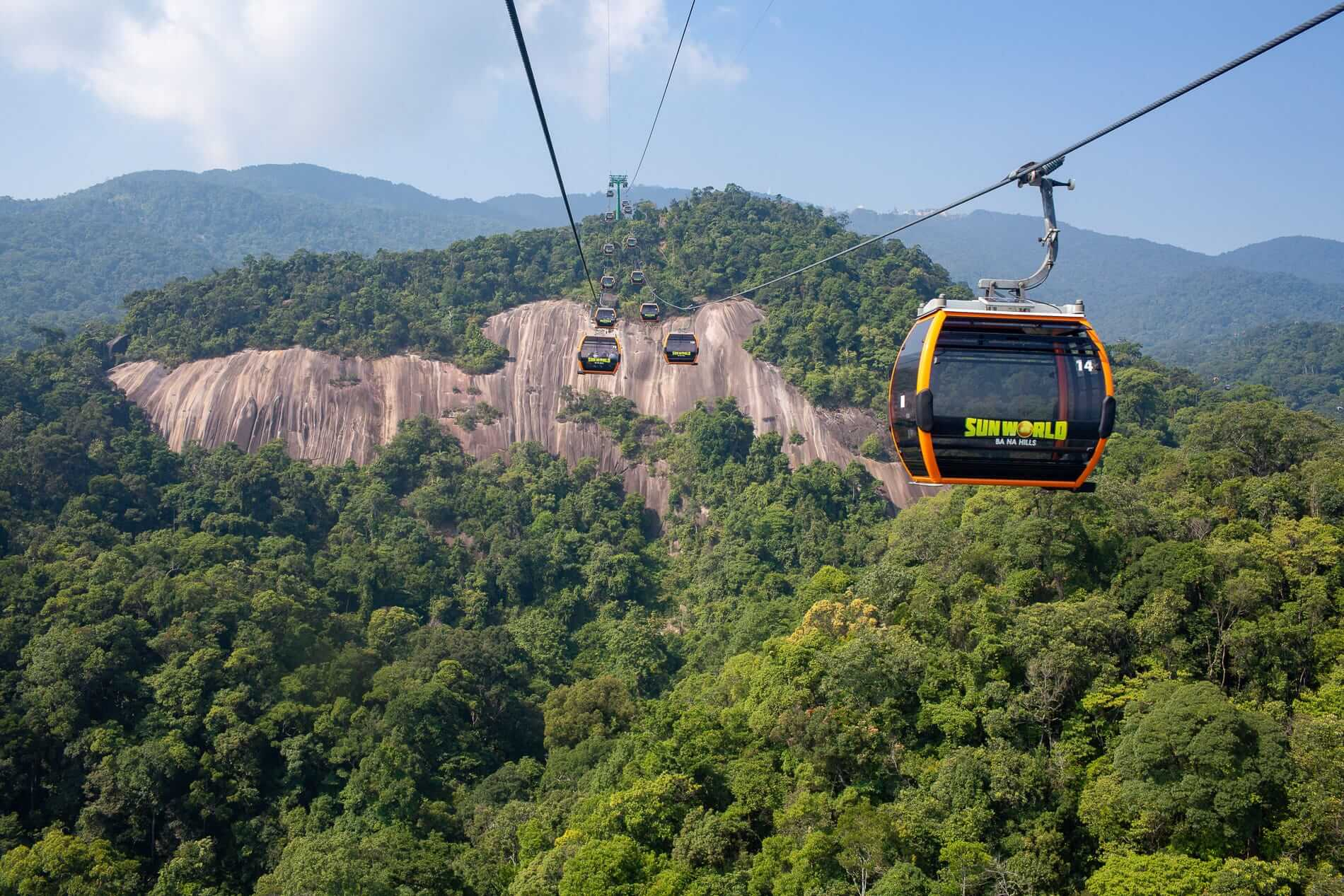 A view from the Ba Na Hills cable cars