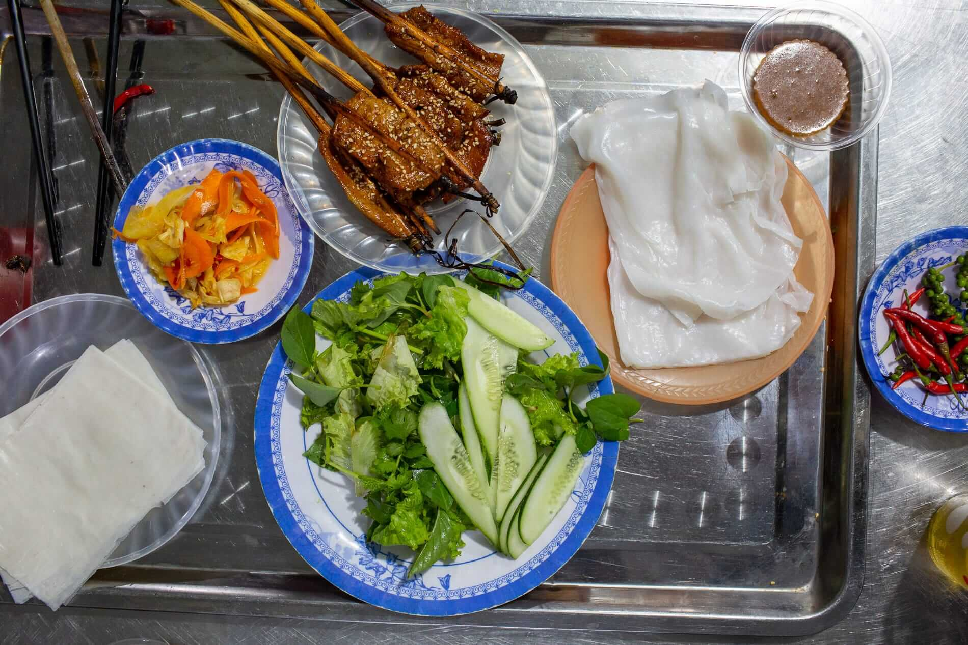 delicious meal at a Hoi An food tour