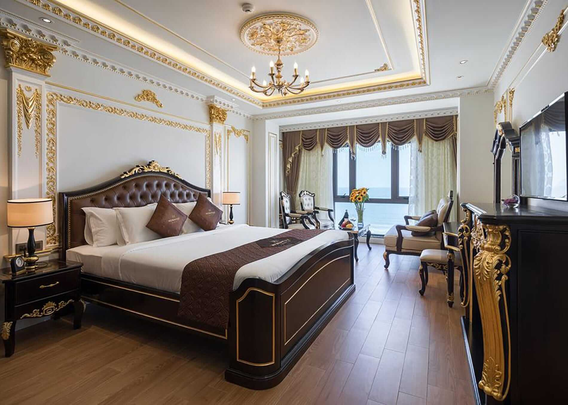 luxurious King room at Monarque Hotel Da Nang