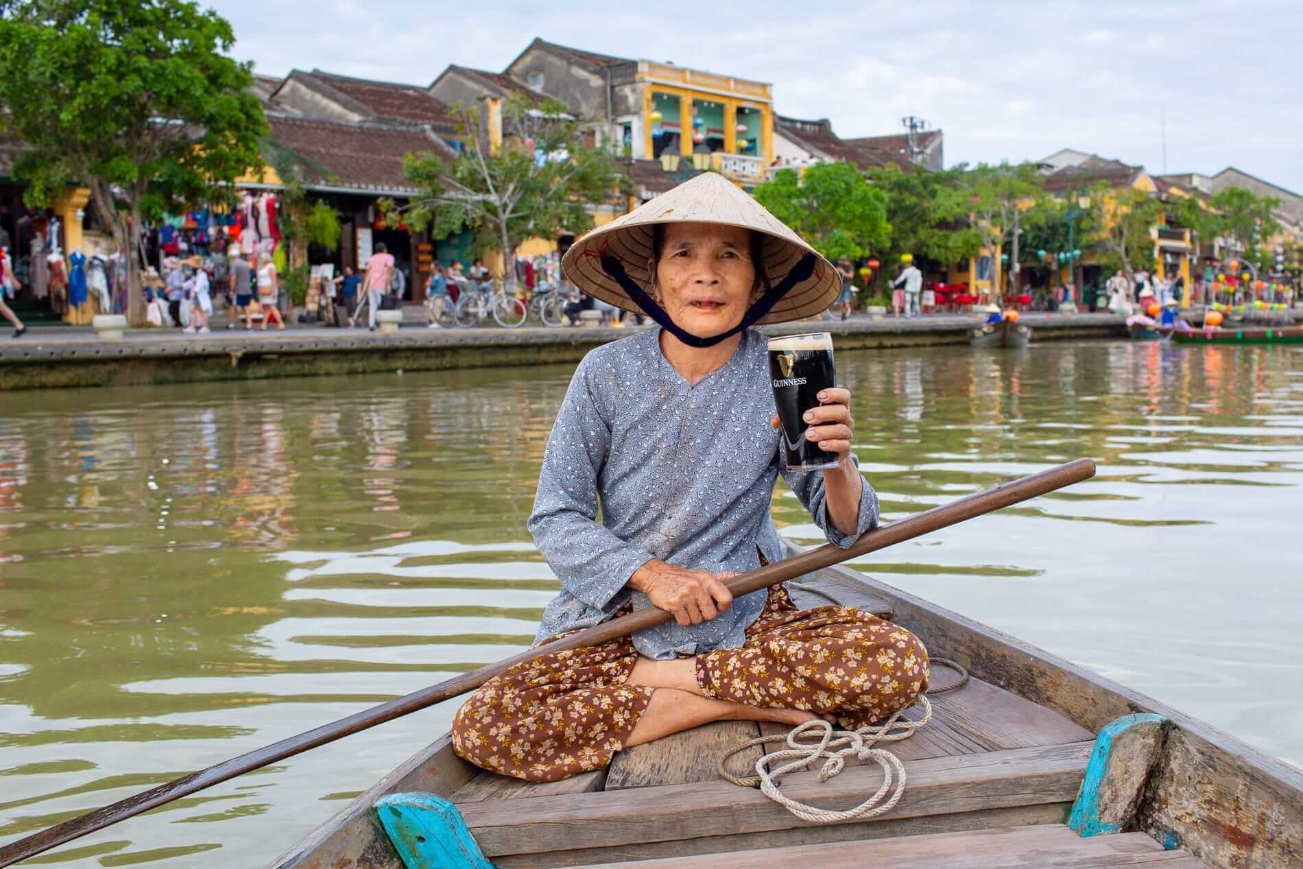 Hoi An boat lady