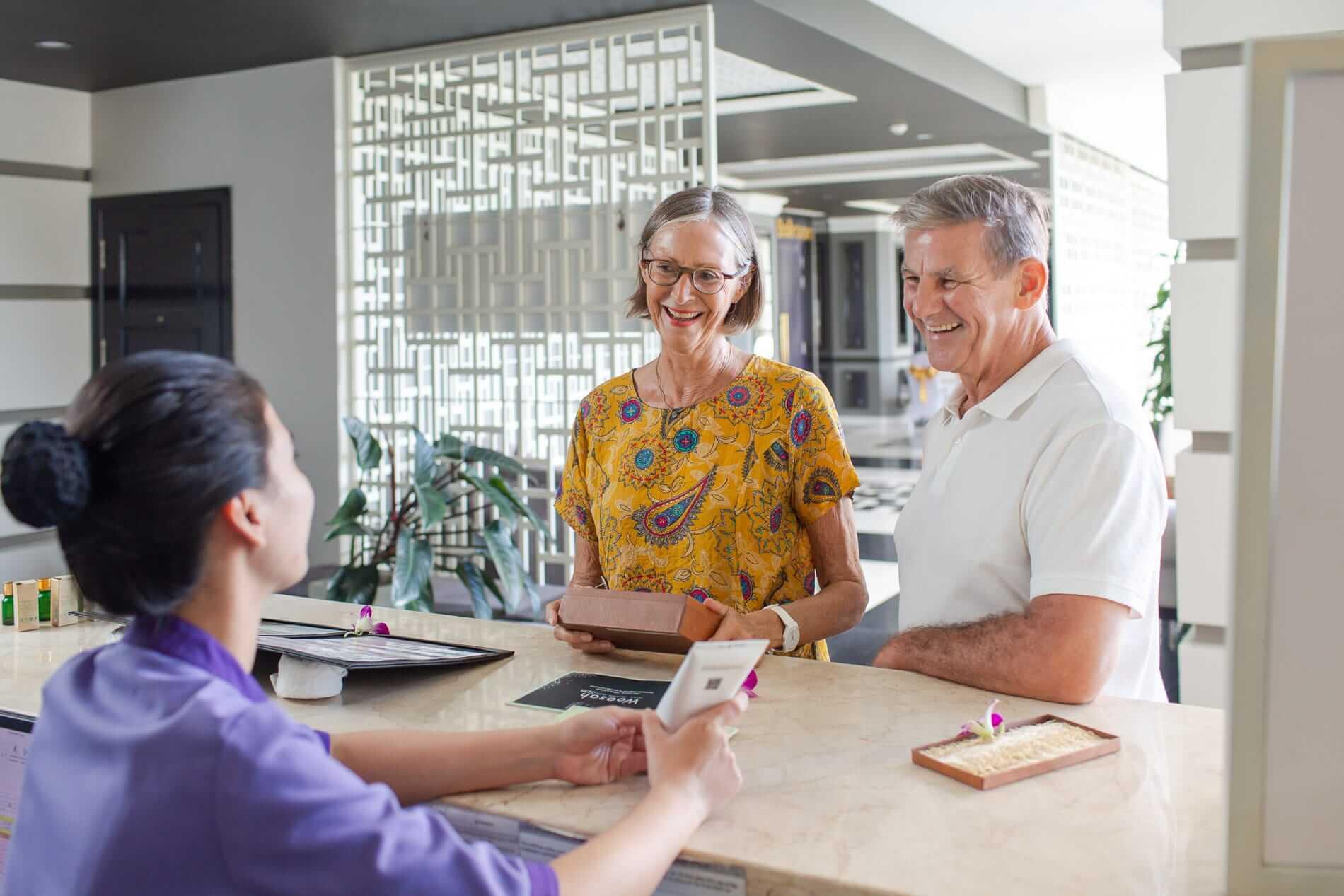 Staff at Woosah talks to clients