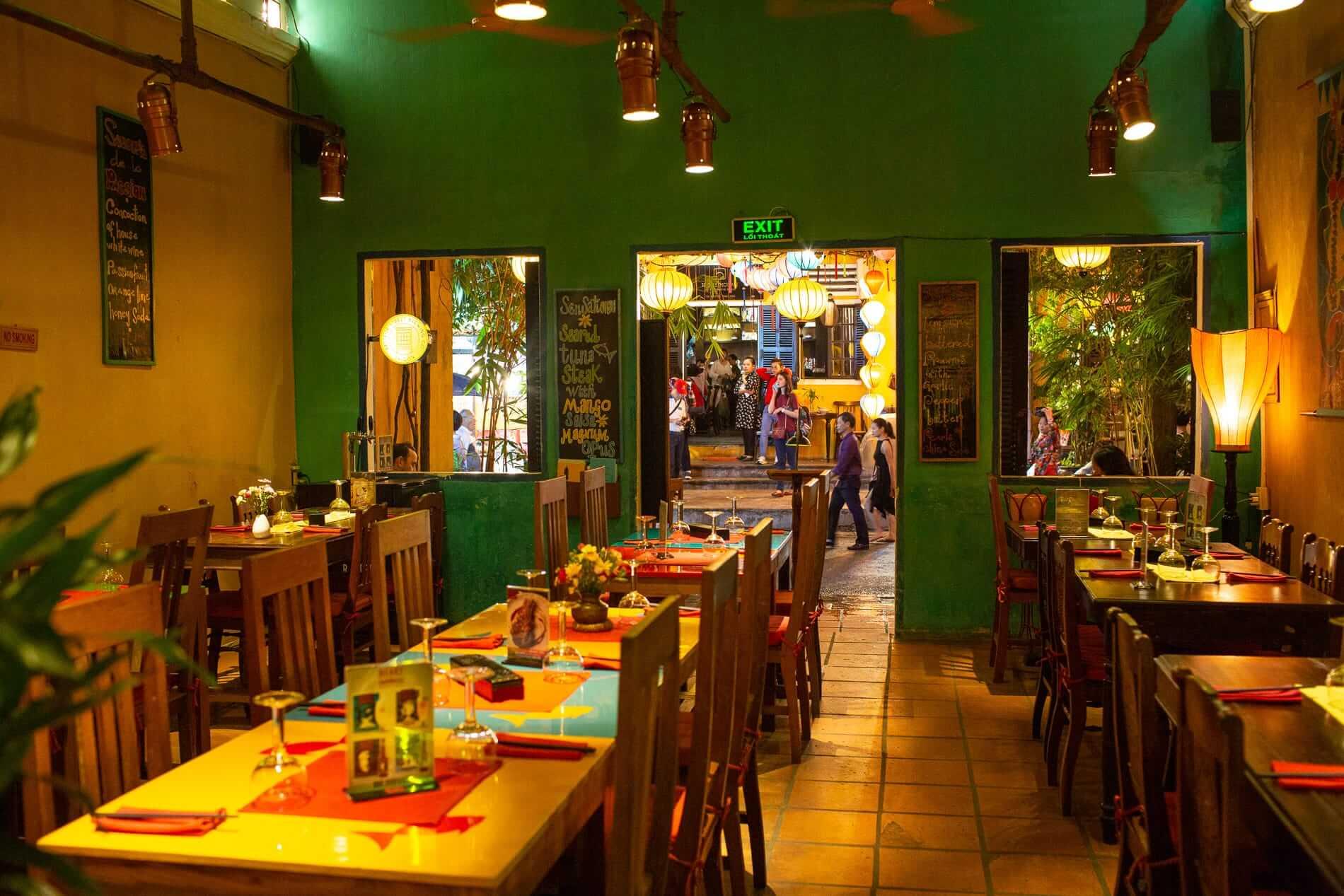 Mango Rooms Restaurant interior