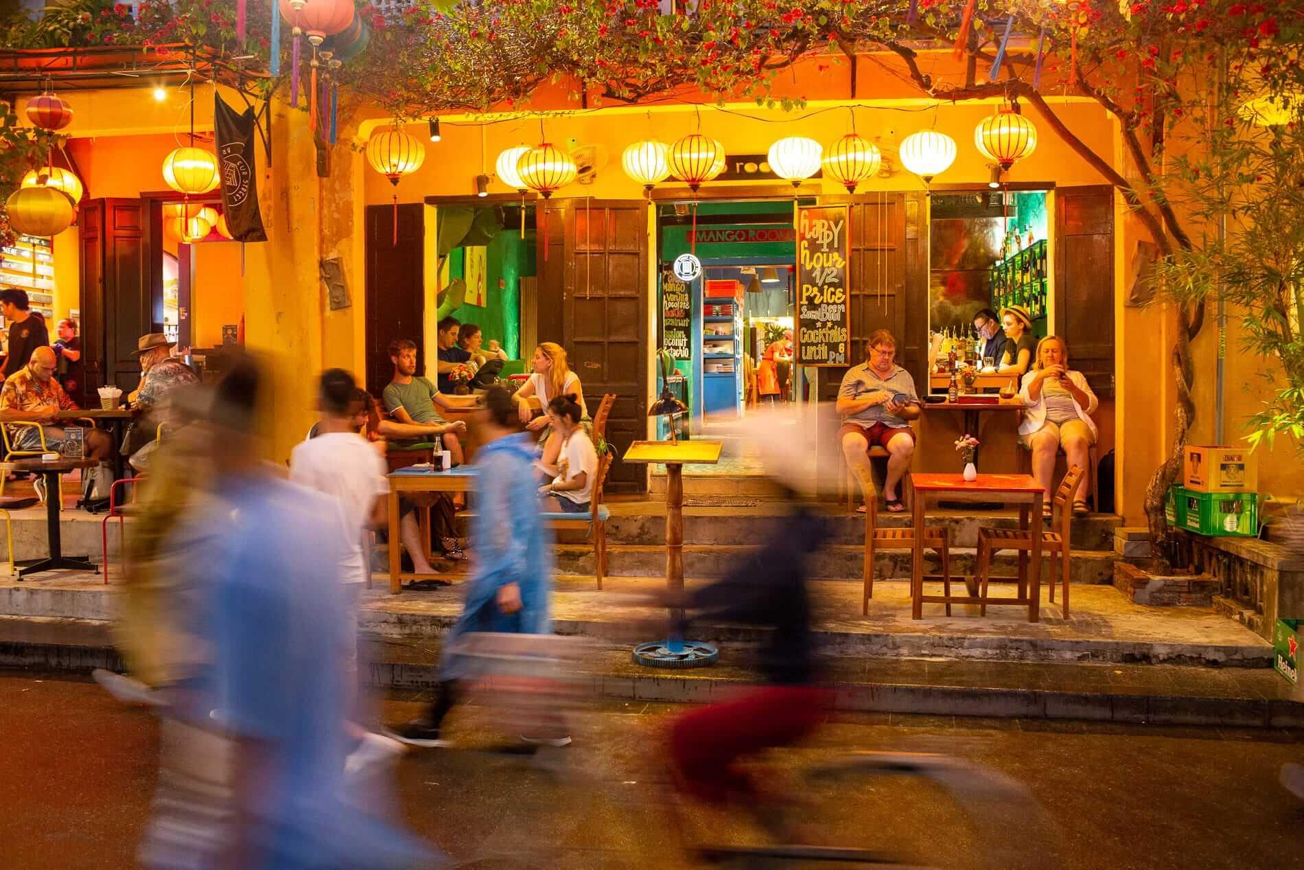 night restaurant in Hoi An
