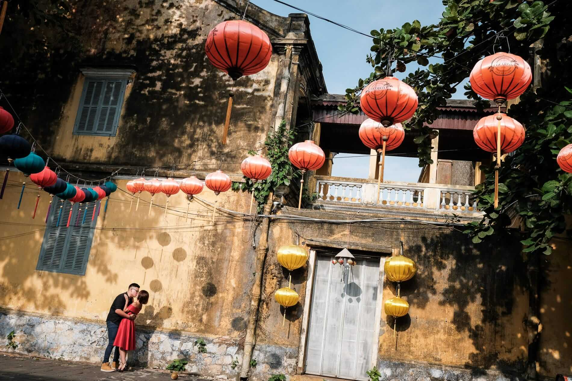 A romantic moment for a couple in Hoi An