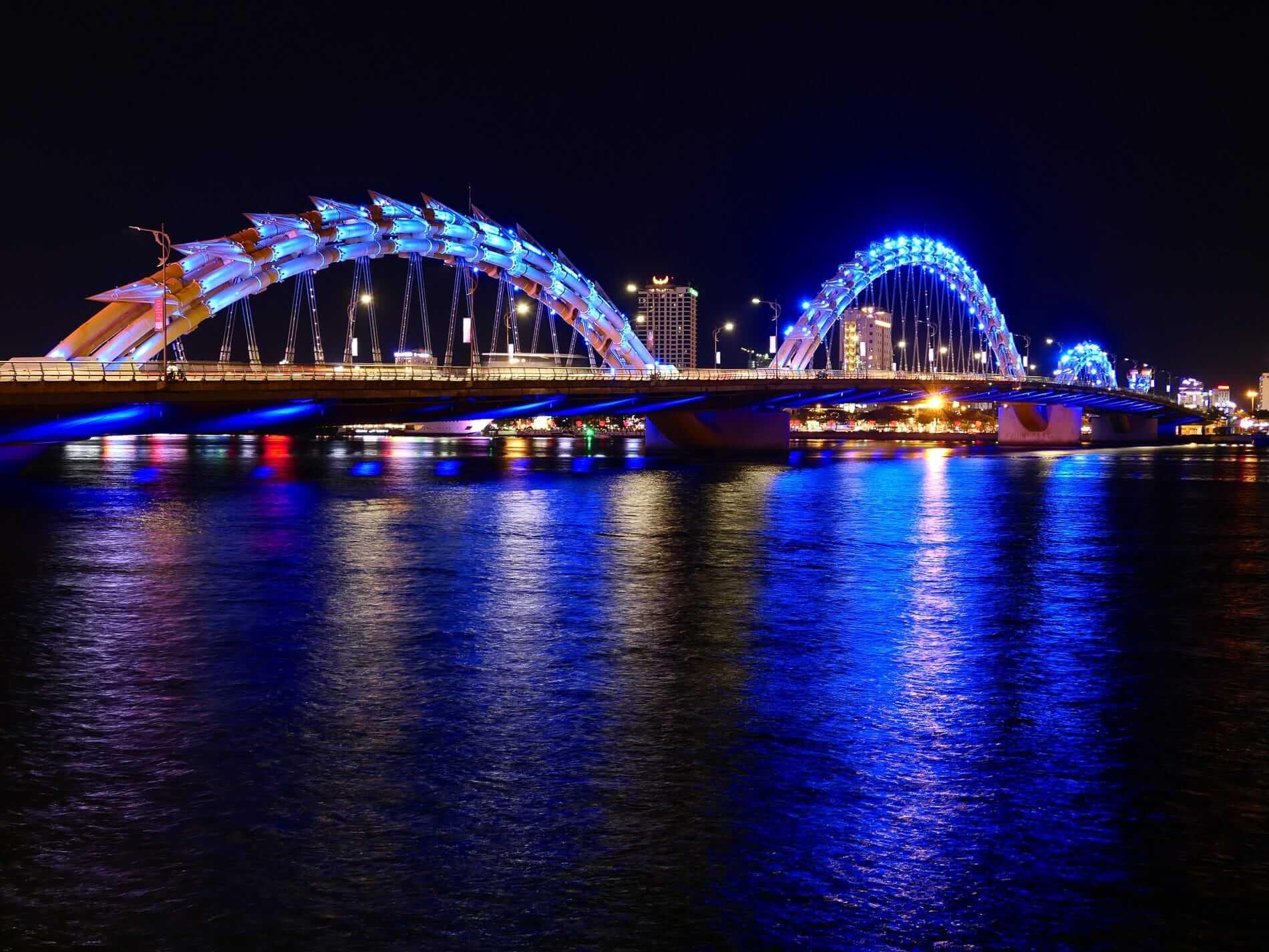 Da nang's tail light at night
