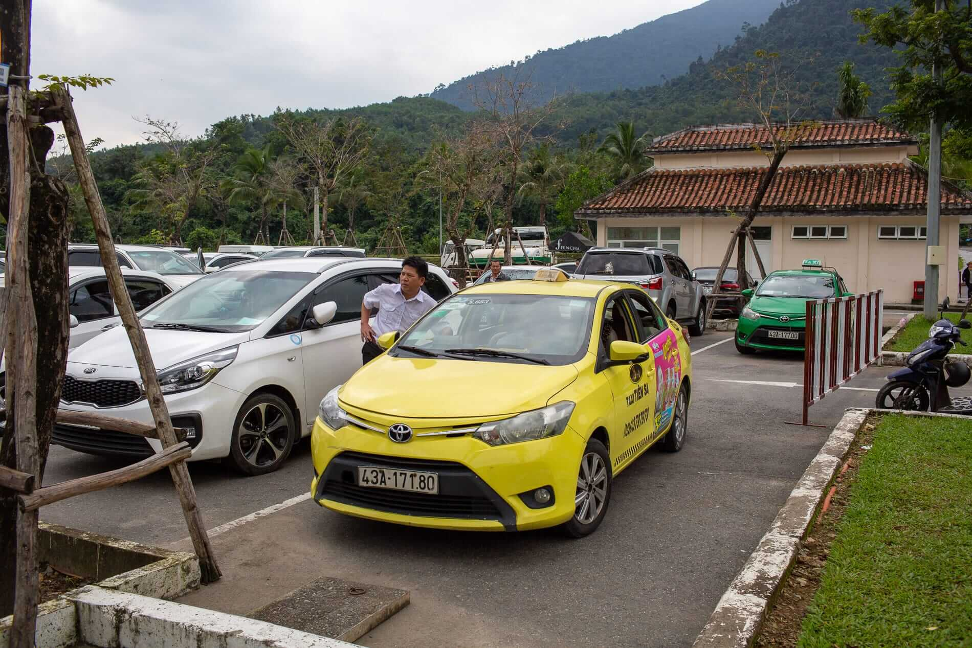 taxis parked at Ba Na Hills