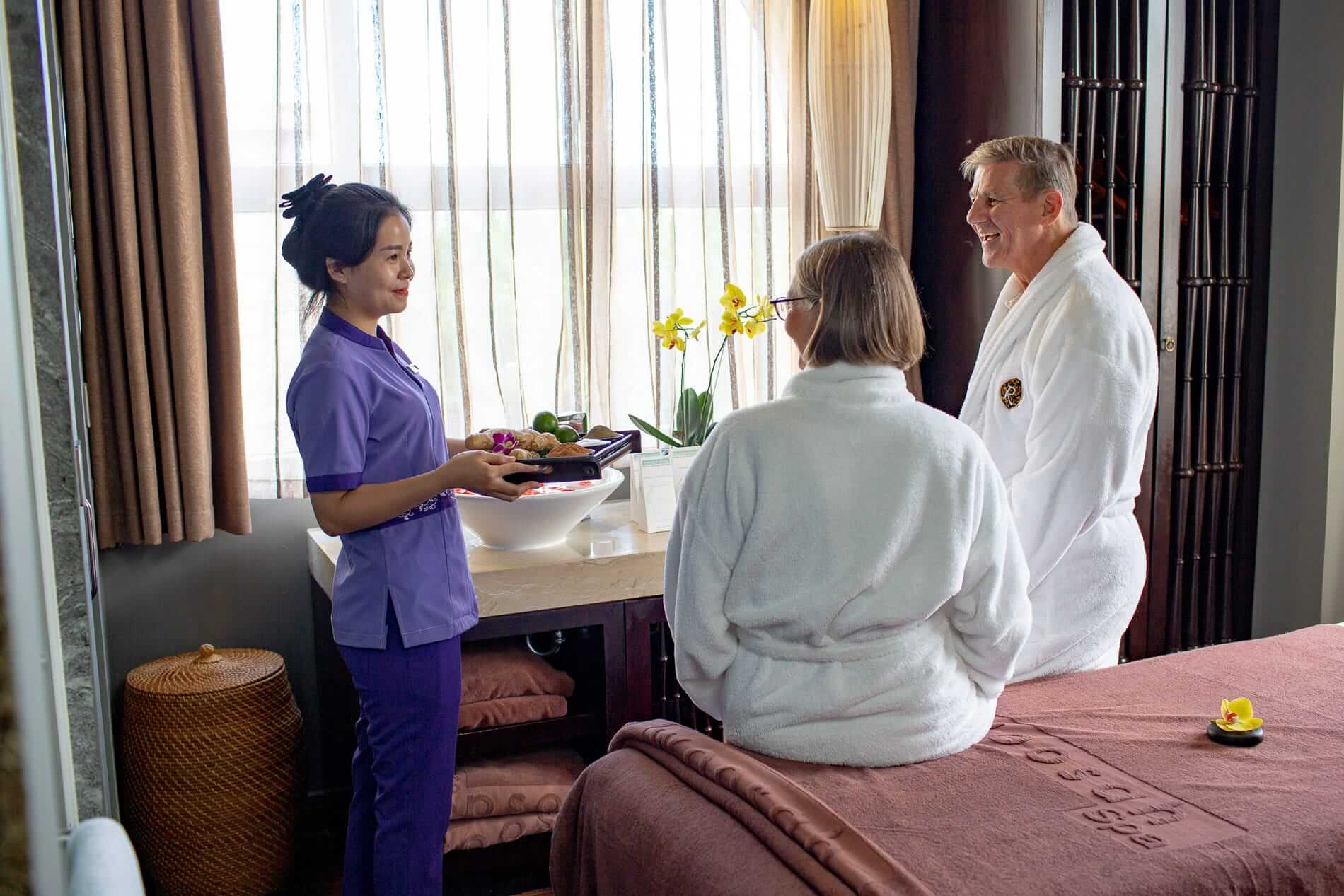 A couple getting a massage at Woosah Spa