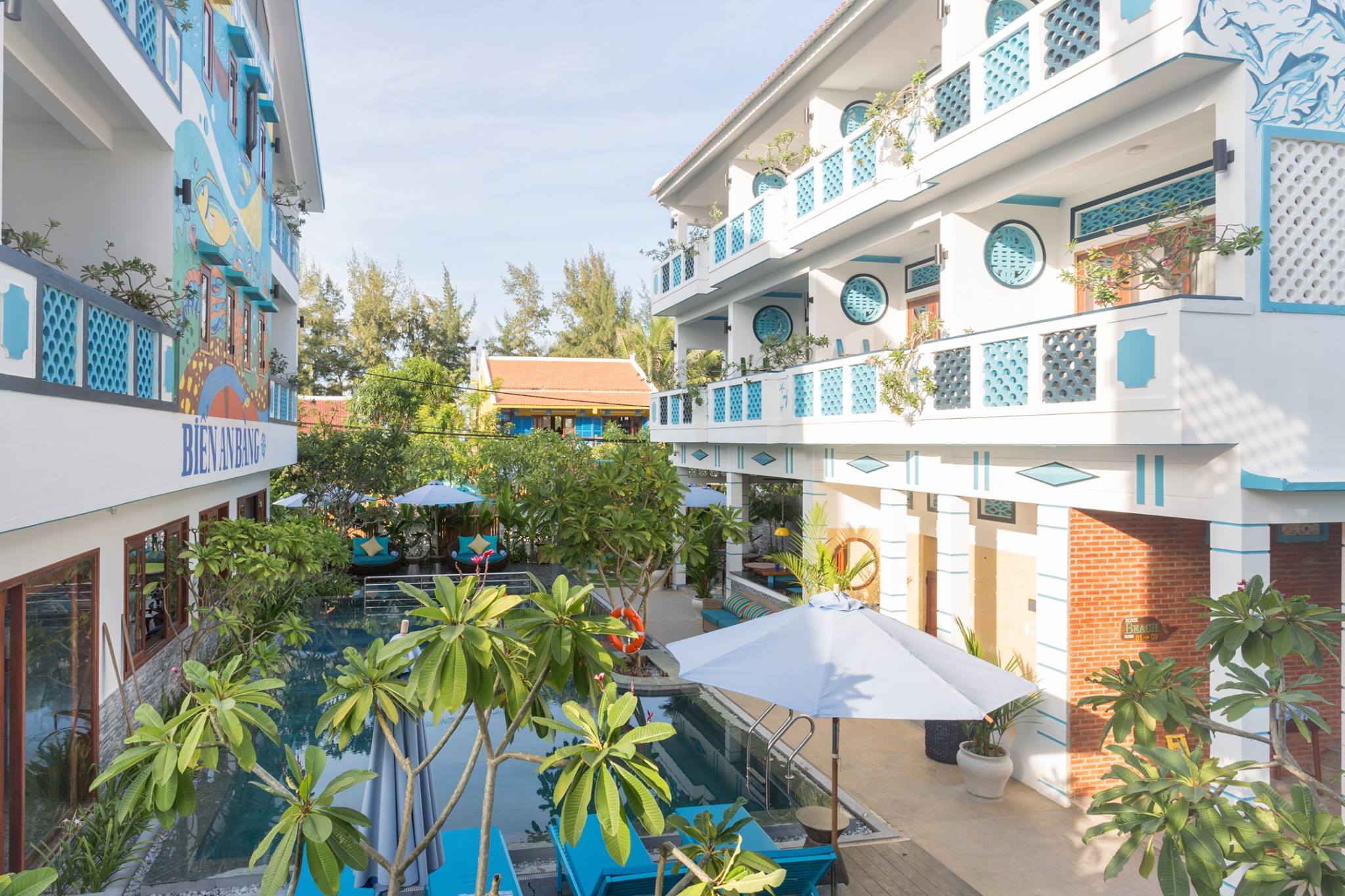 the Beachside Boutique Resort's beautiful blue and white theme