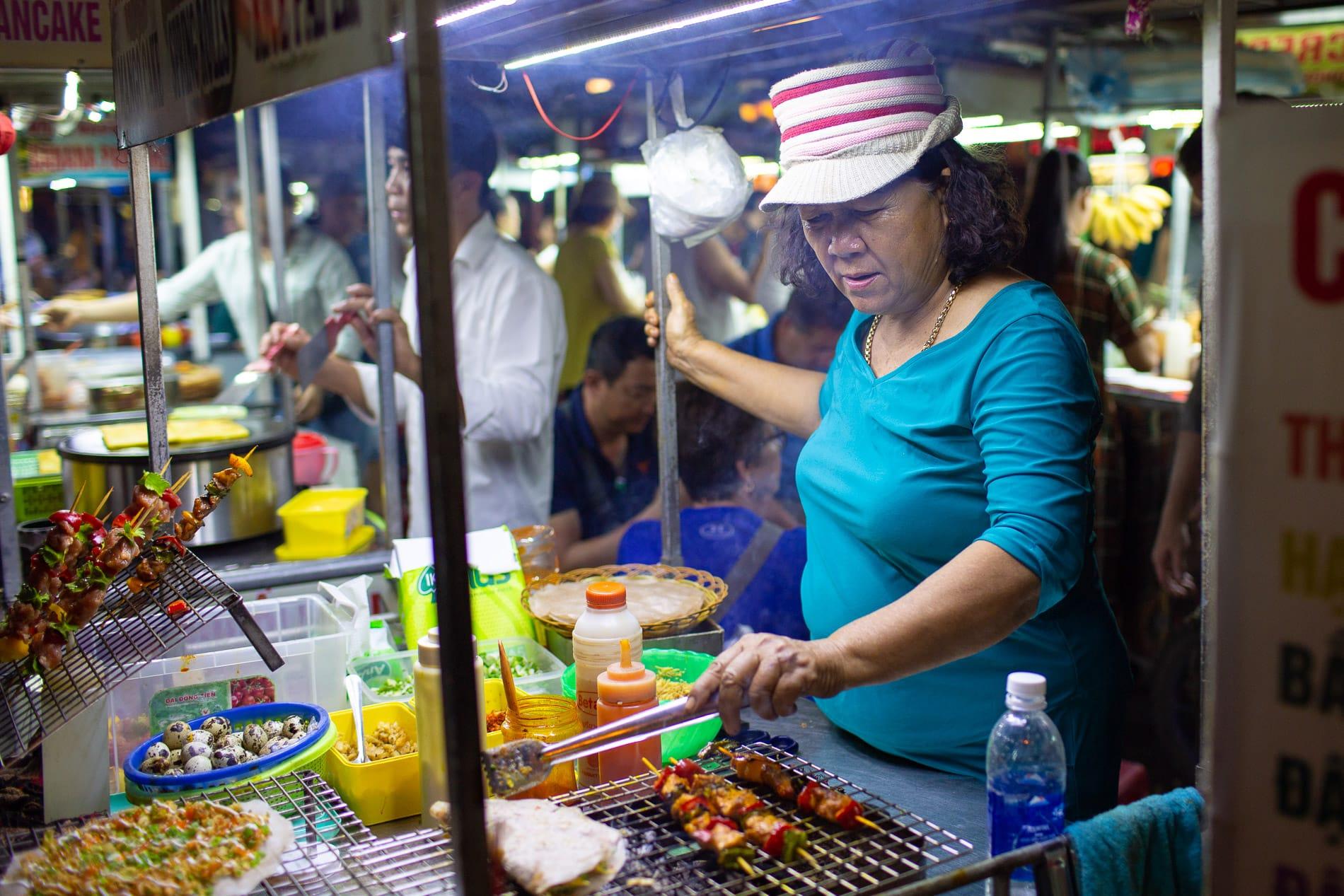 street vendors in Hoi AN