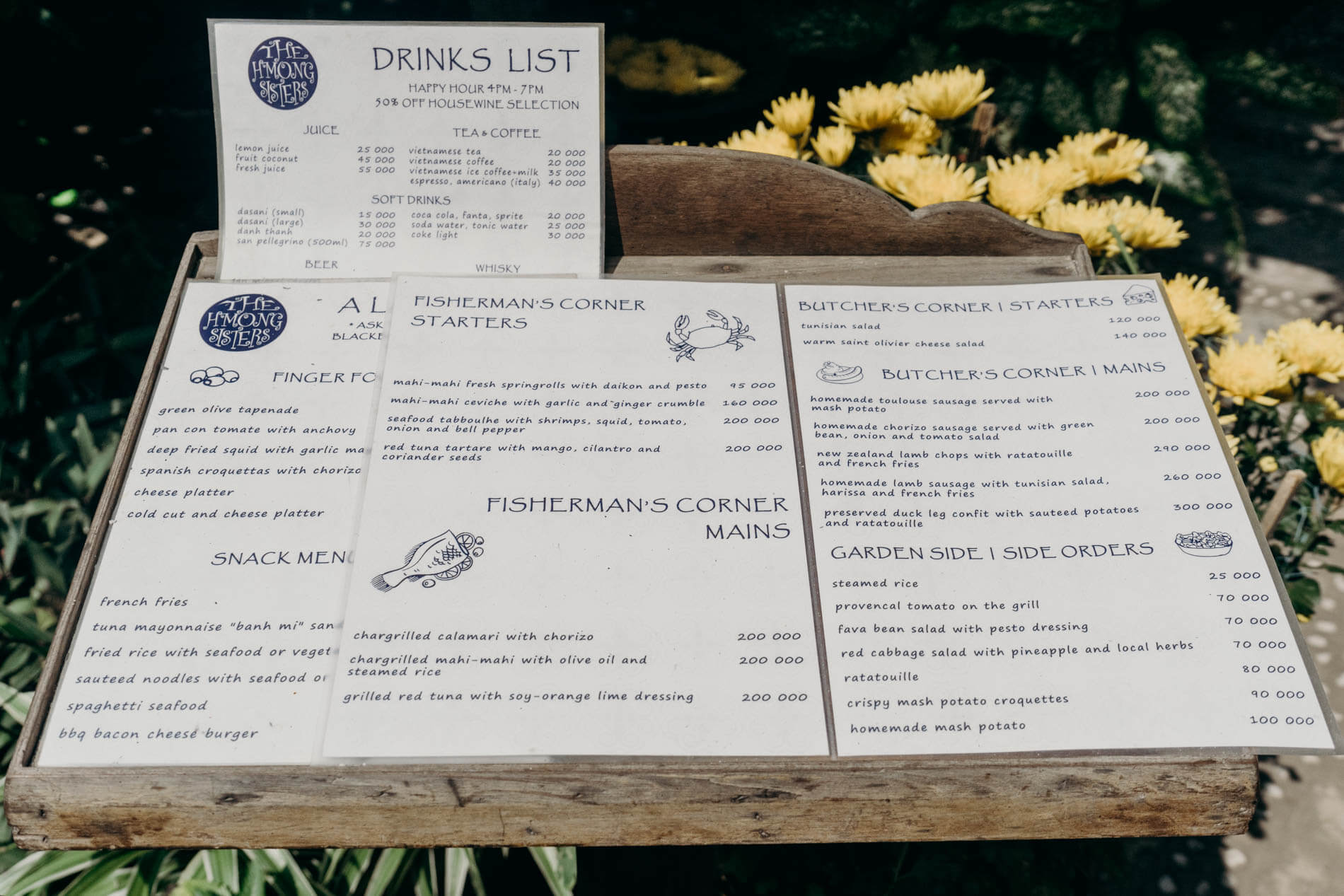 The H'mong Sisters restaurant drinks list