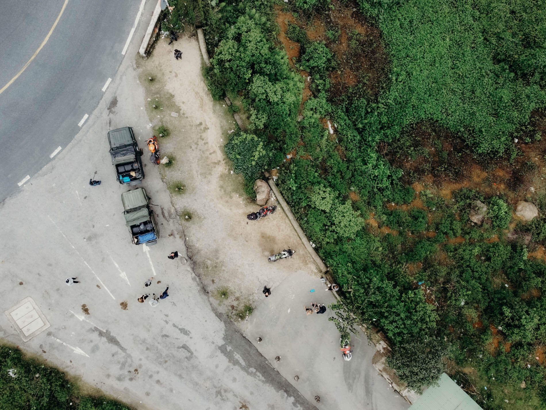 aerial view of the jeeps at Hai Van Pass