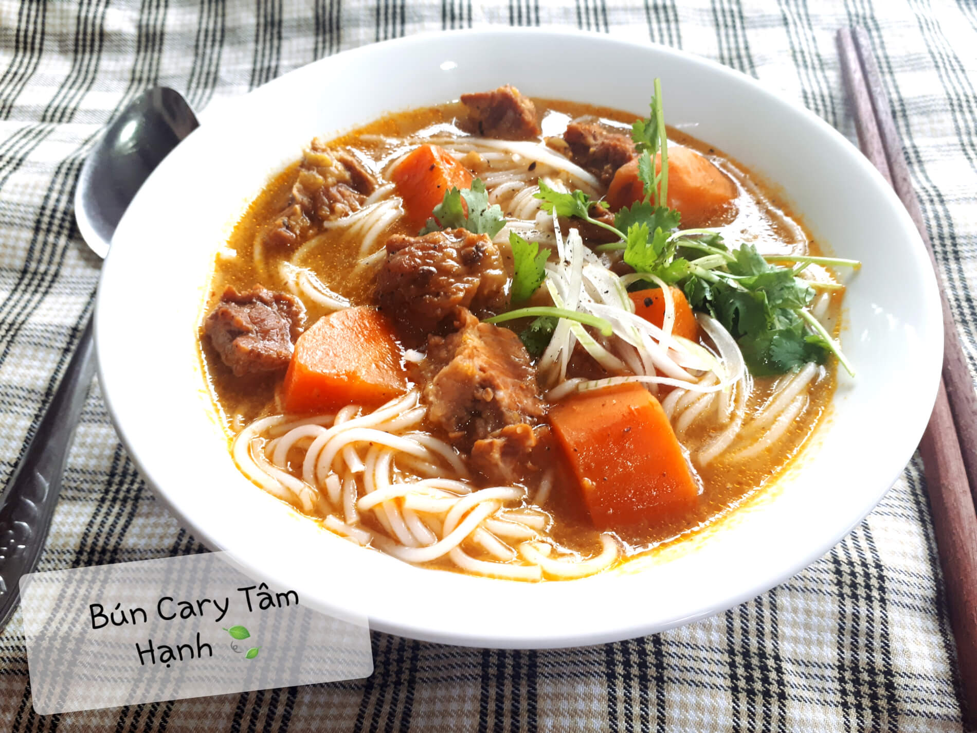 Bun Cary offers food delivery in Hoi An