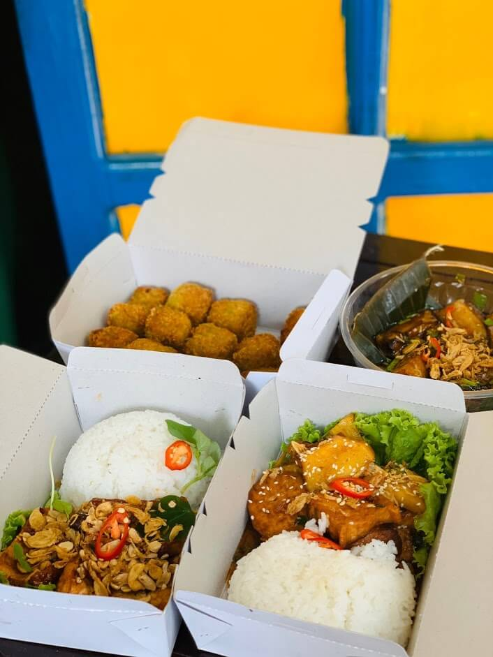 Cafe Yen Food offers delivery in Hoi An